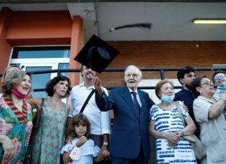 96 years old man graduates in Italy